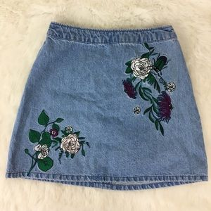 H&M Coachella Collection Embroidered skirt Size 4